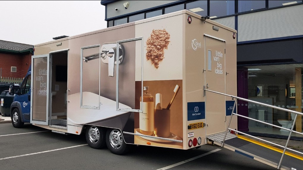 5,000 Kgs Mobile Product Display Vehicle