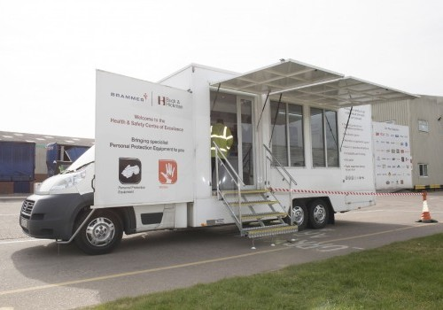 5,500 Kgs Motorised Display vehicle with pod