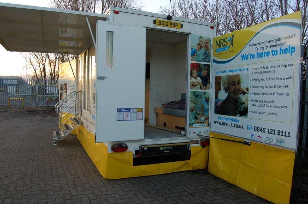 3,500 Kgs Mobile information vehicle with lift access