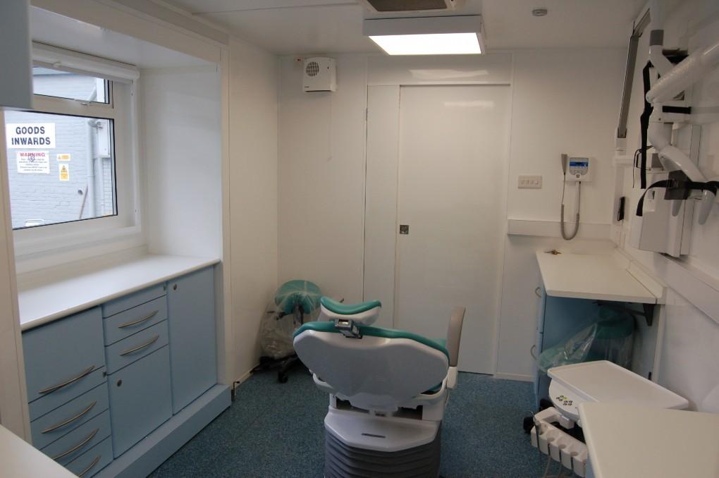 Single Dental Clinic Trailer